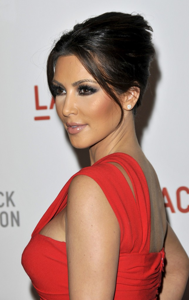 kim-kardashian-red-dress-